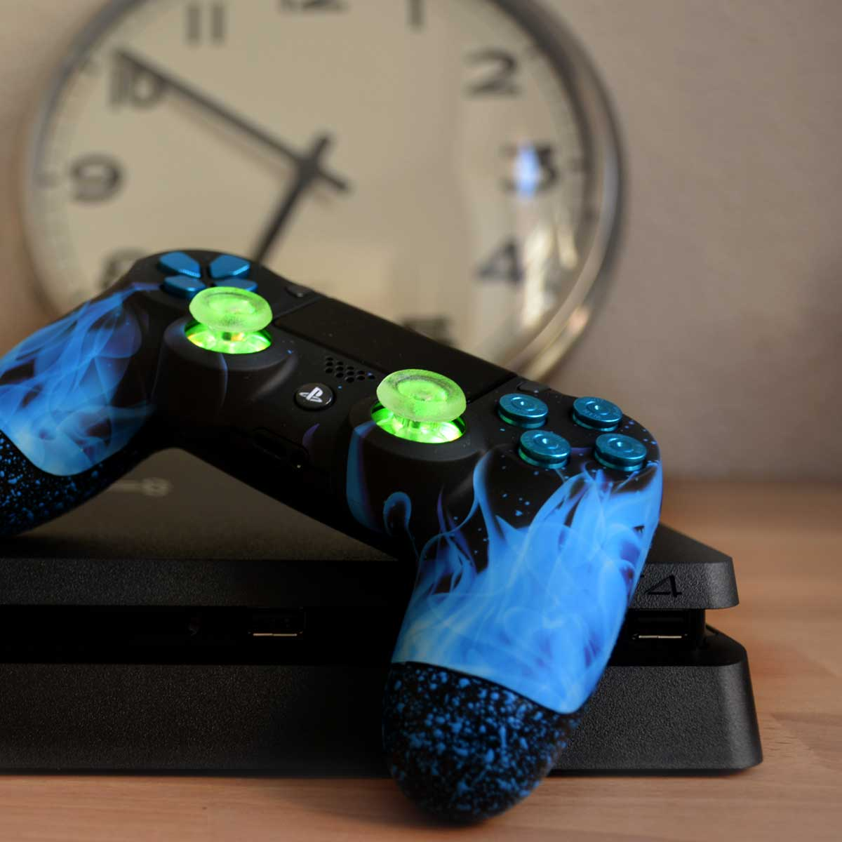 l'heure-du-jeu PS4 pro led manette